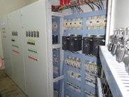 Шкафы управления промышленным электрооборудованием (4 кВт укомплектованные Danfoss VLT Micro Drive FC 51 и др.)